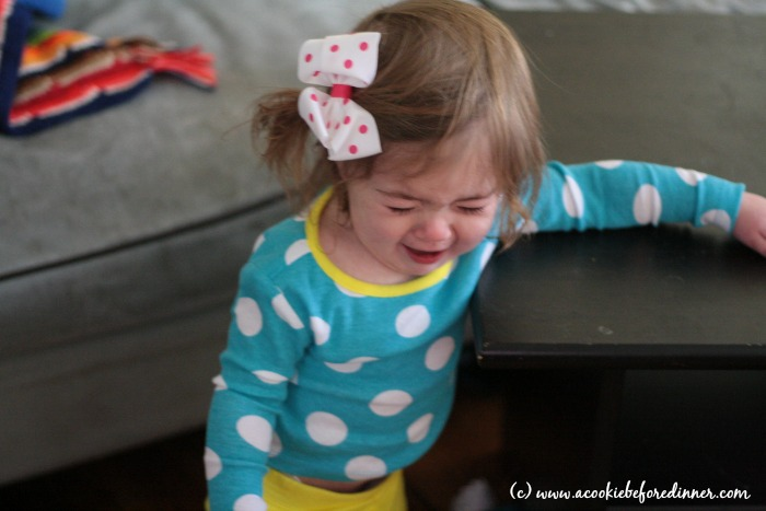 10 Stages Of Every Childhood Christmas Photo Crying Kid