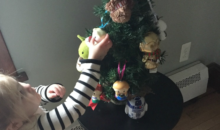 How to Make Toddler Friendly Christmas Tree