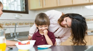 Morning doesn't have to be stressful! Try these 10 morning hacks for overwhelmed moms