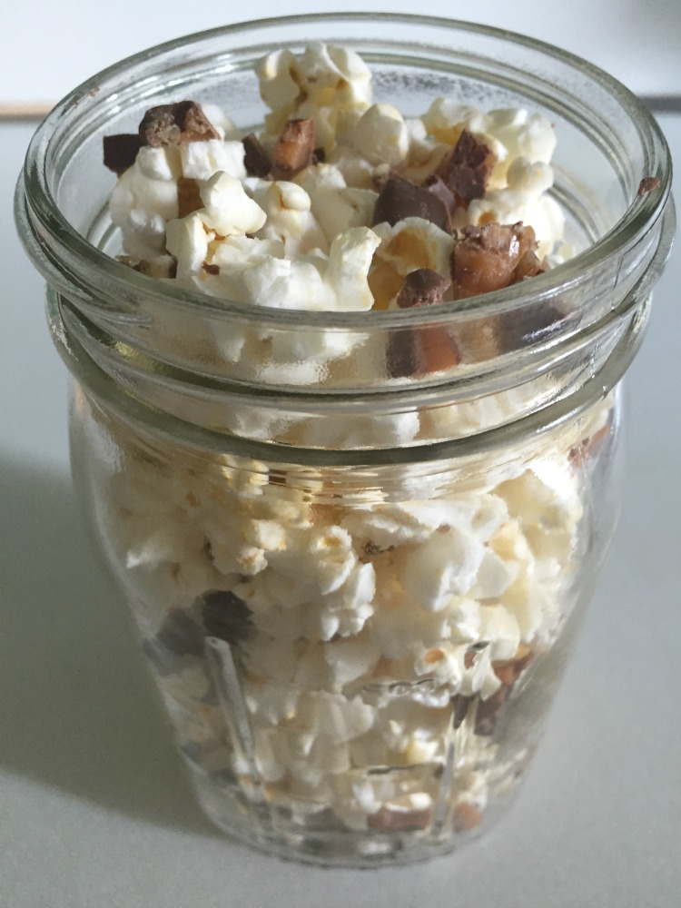 Sweet and Salty Caramel Popcorn 4