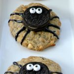 Adorable Halloween Spider Cookies With Oreo