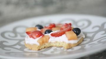 Easy Mini Fruit Pizza Recipe
