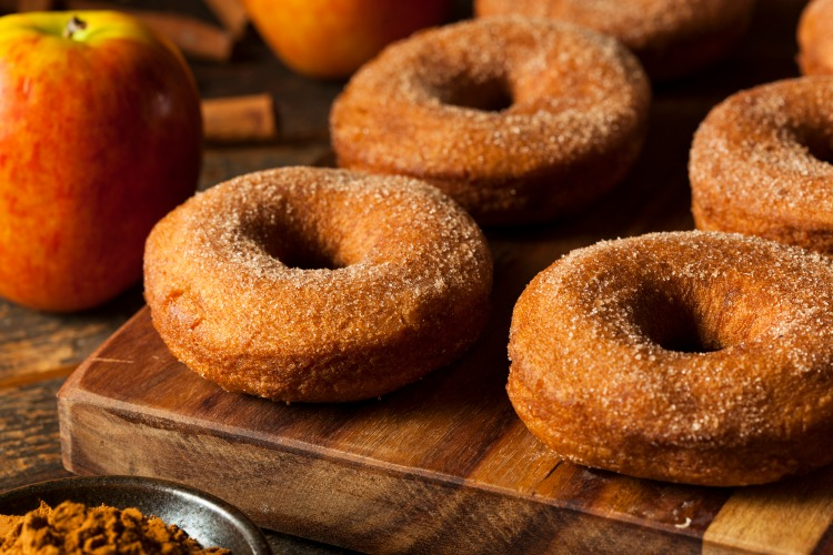 Yum! Looking for cider donuts in Western MA? Here is a great big list of where to find them!